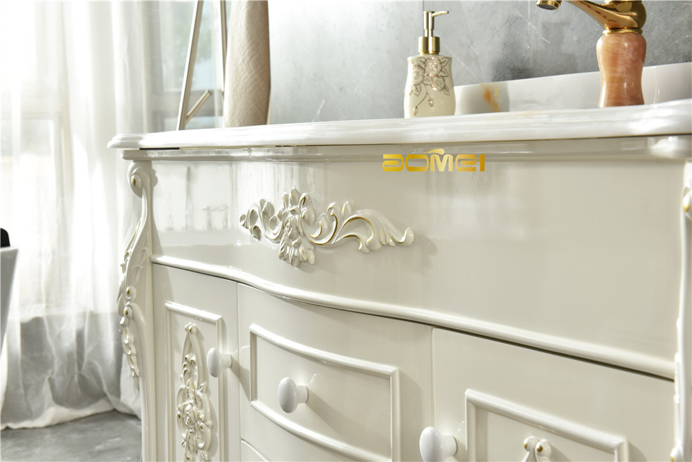 How to distinguish the quality of solid wood bathroom cabinet materials